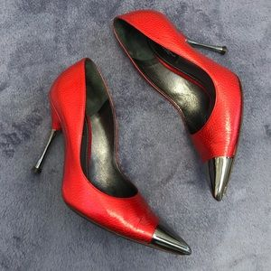 🎉HP🎉 Dolce & Gabbana red and silver heels